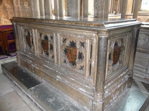 Tumba de Arthur na Catedral de Worcester.