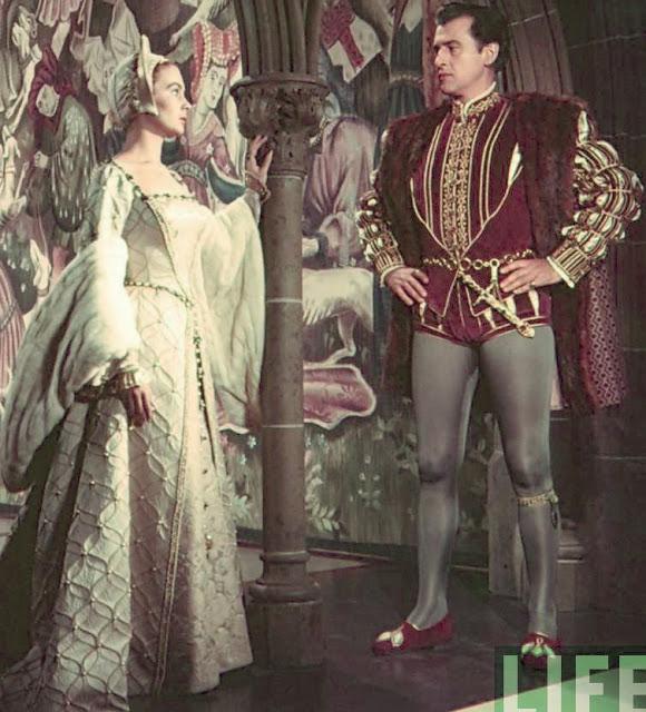 Affair entre a jovem Lady Elizabeth e Thomas Seymour retratado no filme Young Bess de 1953.