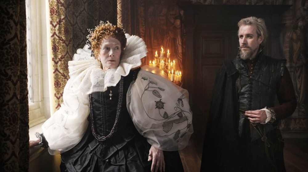 Vanessa-Redgrave-stars-as-Queen-Elizabeth-I-and-Rhys-Ifans-stars-as-Edward-de-Vere-in-Anonymous