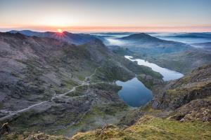 Snowdon-Sunrise-Snowdonia-Landscape-Photography