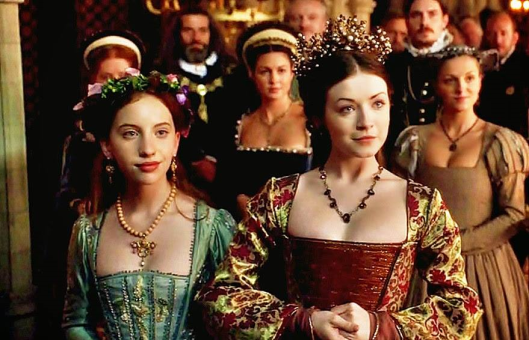mary-and-ass-elizabeth-the-tudors1