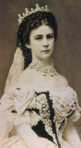 sisi_1867_coronation_dress1